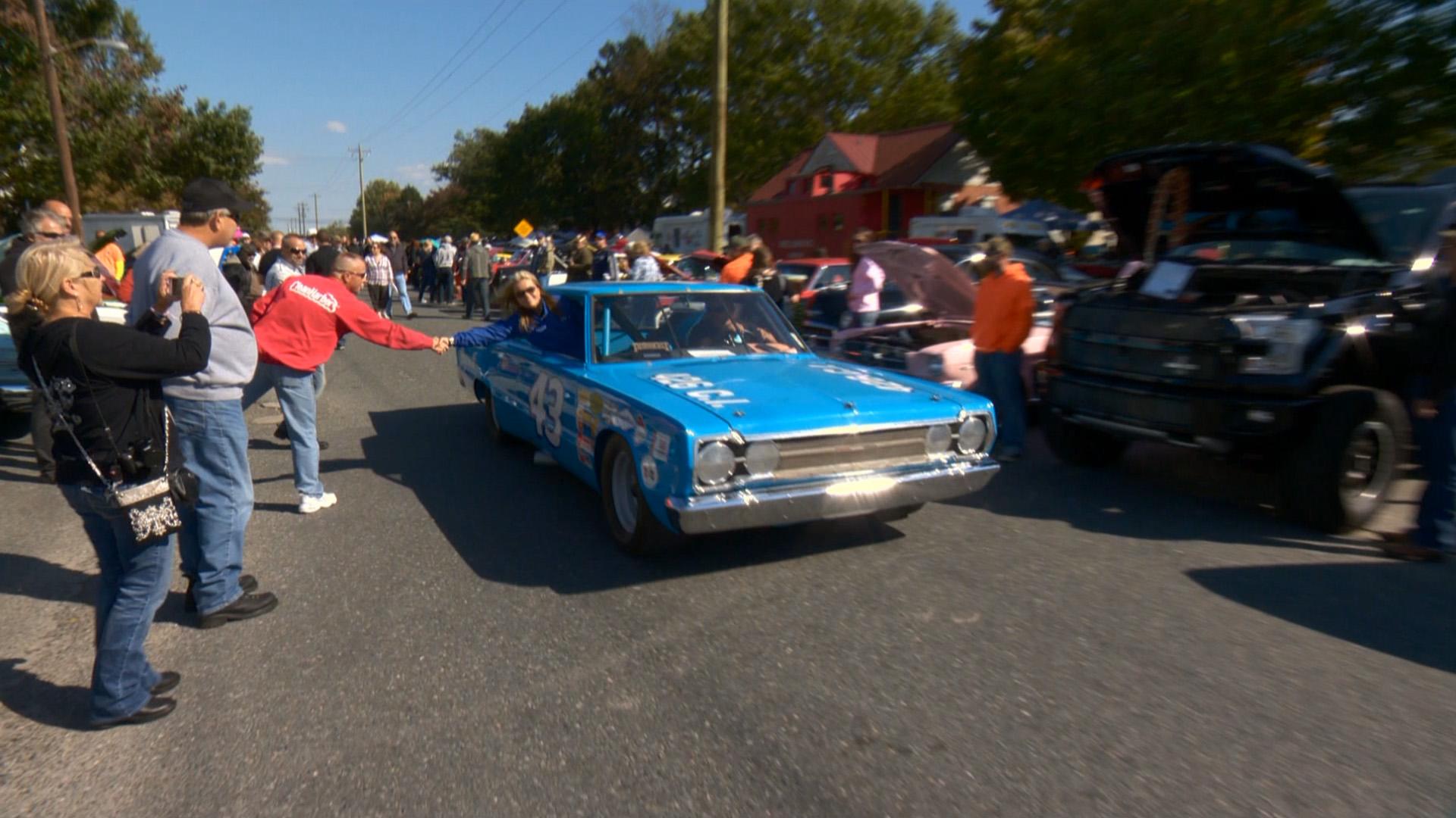 Season Episode My Classic Car With Dennis Gage - Ridgely car show